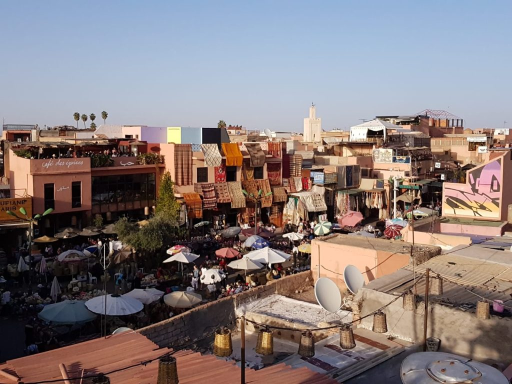 Uitzicht vanaf het dakterras van restaurant Nomad