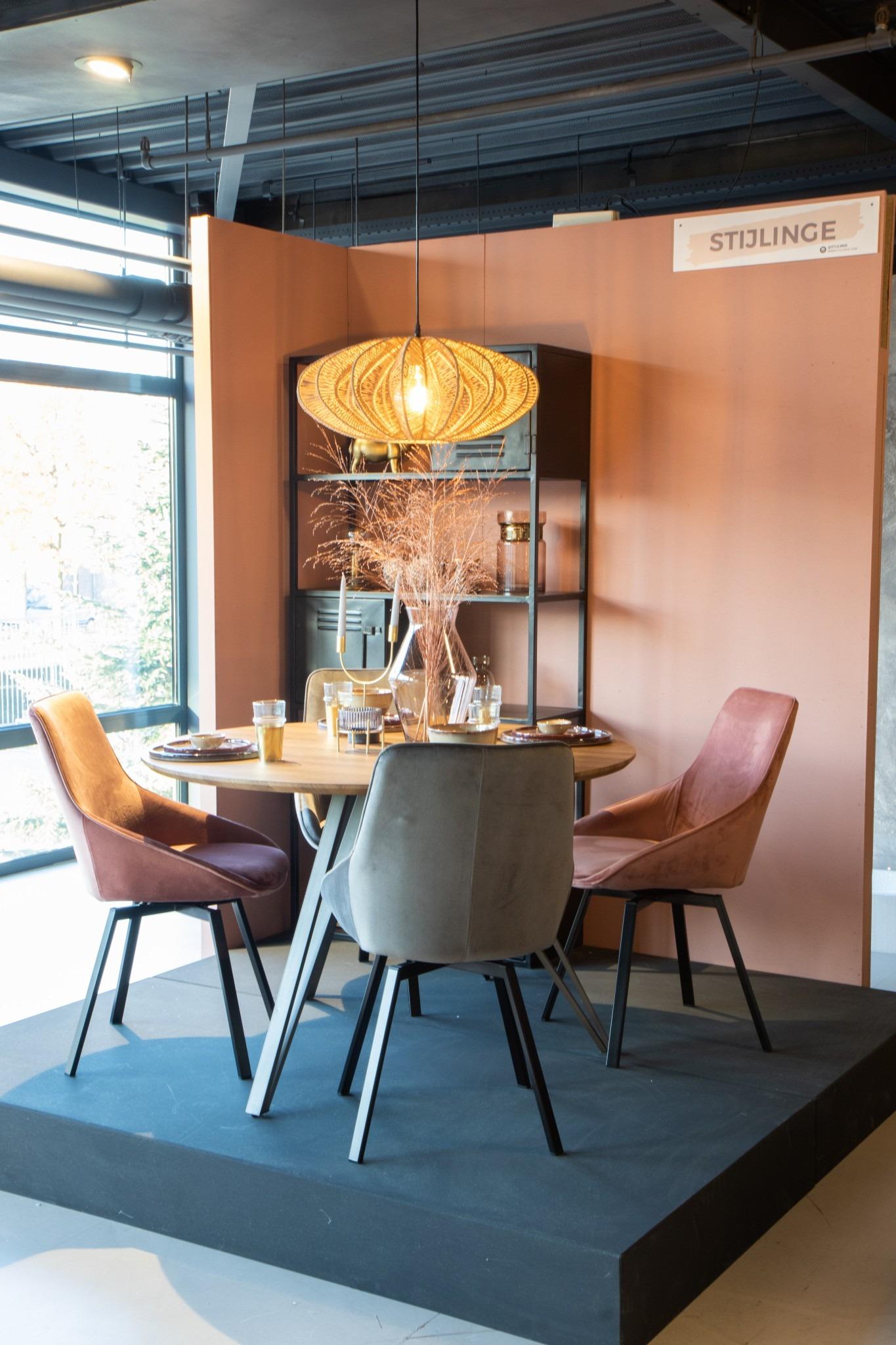 stijlkamer in DOK 2 in roze en goud tinten