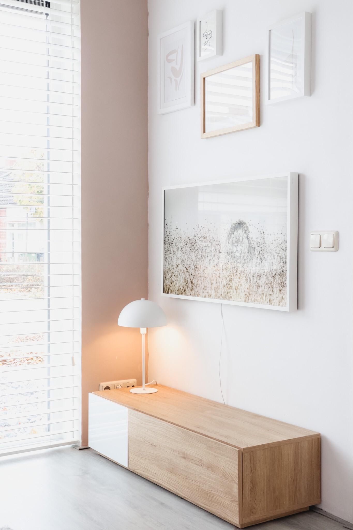 Tv meubel met lamp en verlichting van philips hue